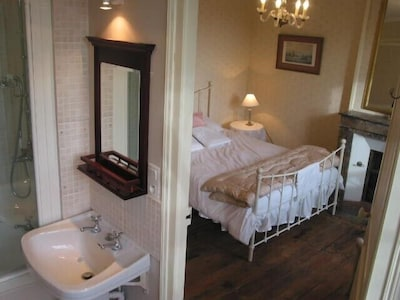Small ensuite