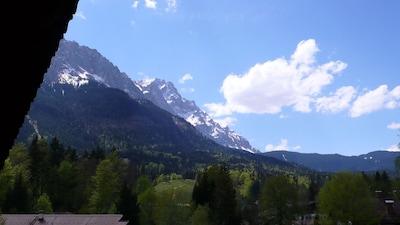 Zugspitzblick von Ihrem Balkon