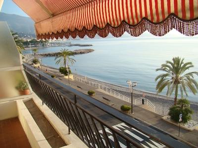 La plage vue de la terrasse