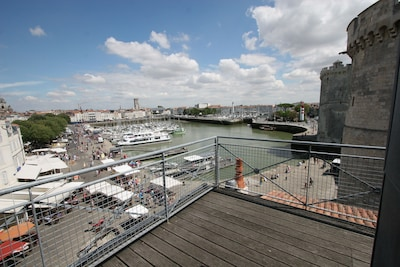 House 100sqm - Gaze over the old port while leaning against the guardrail