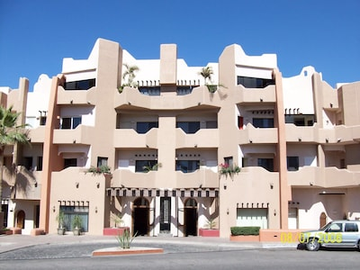 Front View of Marina Cabo Plaza