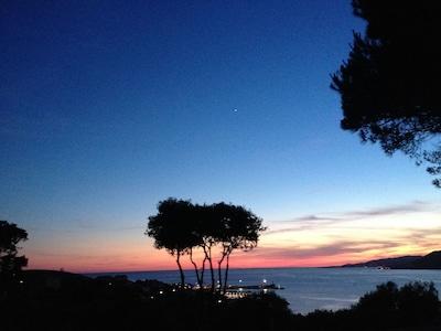 coucher de soleil vue du jardin