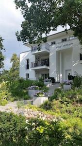 Gartenansicht - Unsere FeWo 1. Etage, links
