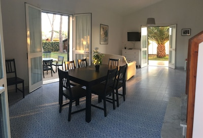 The wide hall of flat 63 is ideal for dining with your friends and relax