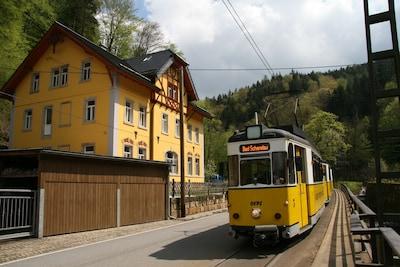 Altendorfer Försterei mit Kirnitzschtalbahn