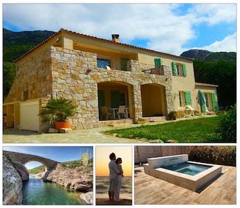 Locations Galeria - Villa Scandola ideal couples et familles