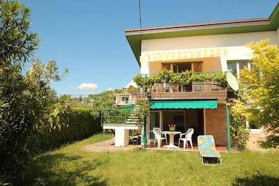 Ferienwohnung 14-1 im Obergeschoss mit großzügigem Balkon und Gardaseeblick