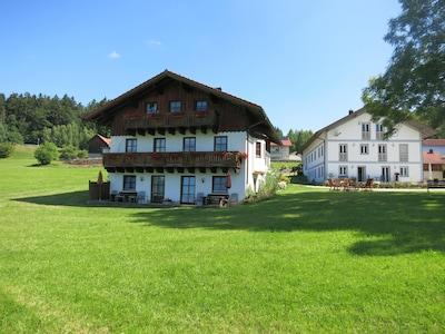 Herzlich Willkommen auf dem Ferienhof Landhaus Michael im Bayerischer Wald.
