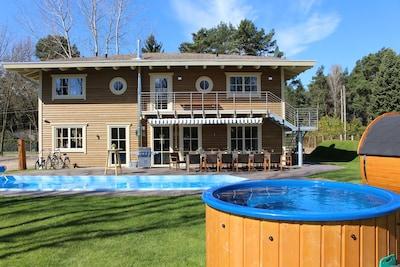 wunderschöne Villa mit beheiztem Pool  und Badefaß