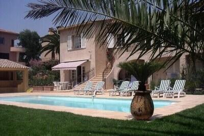 Vue de la Villa 'Malinéo'