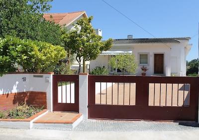 entrance gate / porte d'entrée