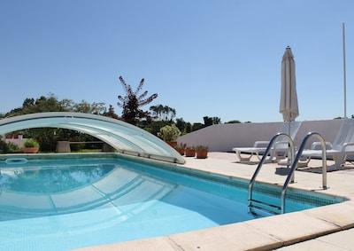 private pool / piscine privée