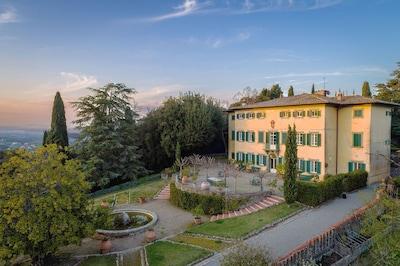 Villa Petrolo garden overview