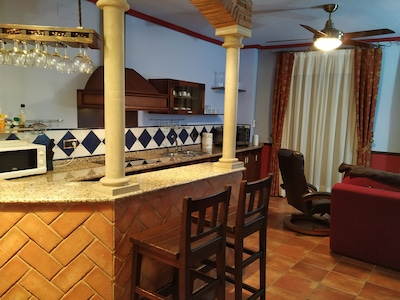 -2-COMO AT HOME, in the historic center of Ubeda