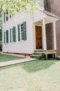 Spy Hill House - Stevenson Ridge