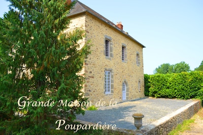 La grande maison de la Poupardière et sa piscine et son jacuzzi privées
