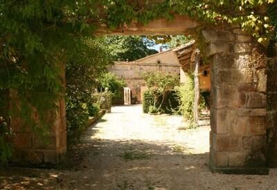 Casa Adosada of the Palacio de Hualle