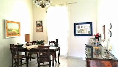 Dinner area livingroom