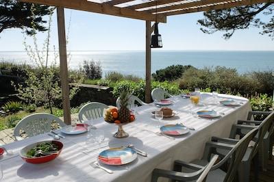 villa vue mer avec grande terrasse abritée