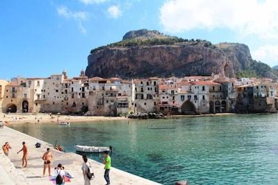 CASA TIFFANY :  appartamento vicino al mare e al centro storico di Cefalù