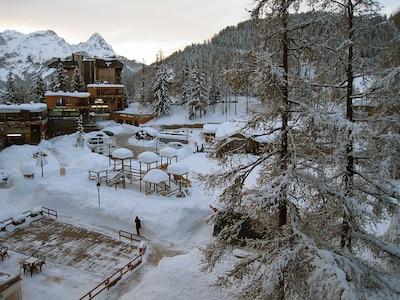 place centrale vue depuis le balcon l hiver