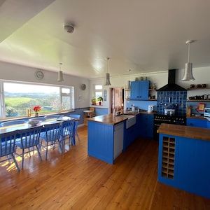 plenty of room for social gatherings in the kitchen