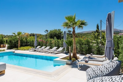 Amazing outdoor area, with a 36 m2 private swimming pool.