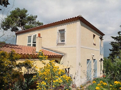 Bahnhof Villeneuve-lès-Avignon, Villeneuve-les-Avignon, Gard, Frankreich