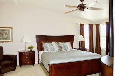 NEW! Gorgeous Havasu Home with Beautiful Lake Views