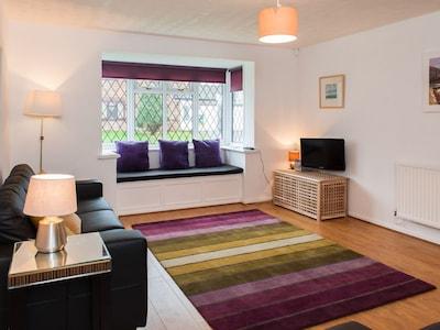 Peaceful, modern home set in quiet cul-de-sac
