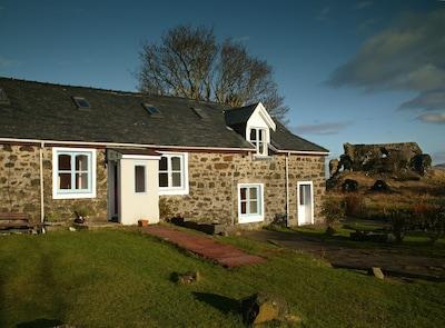 Dairy Cottage. 3 Bedroom Cottage. Sleeps 5
