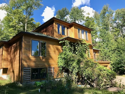 Bartok Cabin, Saranac Lake, New York, USA