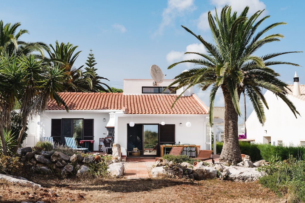 This authentic house is the perfect travel base to explore the things to do in Algarve west of Lagos