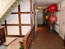Flurbereich mit Zugang zu den Sporträumen
