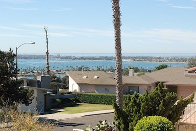 Entire 3 bedrooms guest property, near Pacific Beach, Downtown,Seaworld,LaJolla