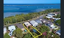 So close to the water... mangrove walk and parks for great outdoor & beach days.