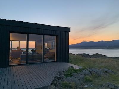 Amazing 360 views of the ocean and mountains all around