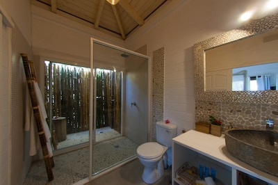 Ensuite bathroom with outside shower
