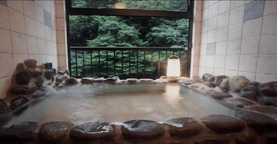 ・ Open-air bath