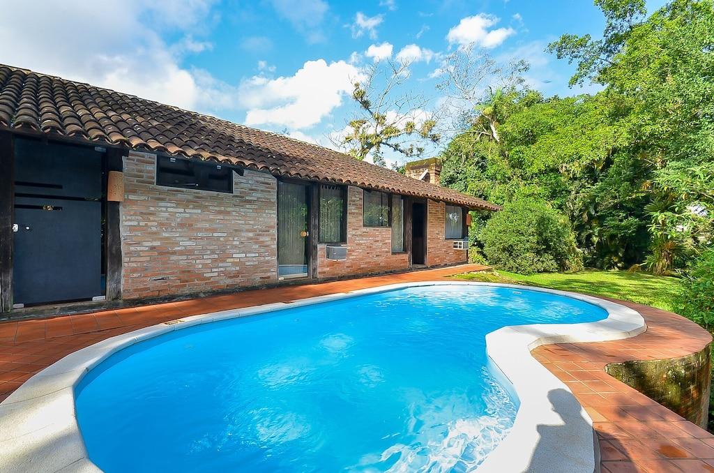 casa de campo com piscina em morretes