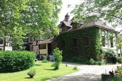 L'Abbaye Park, Bernay, Eure, France