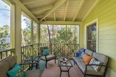 Screened in porch off the back of the home!