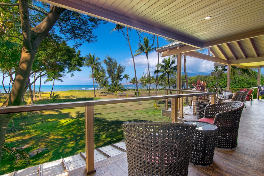 This terrace with ocean views is a wonderful place to stay in South-Maui