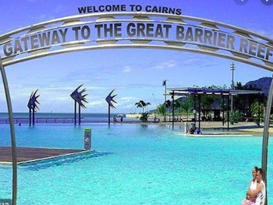 Manoora, Cairns, Queensland, Australië