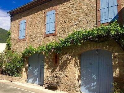 Vieussan, Hérault (département), France