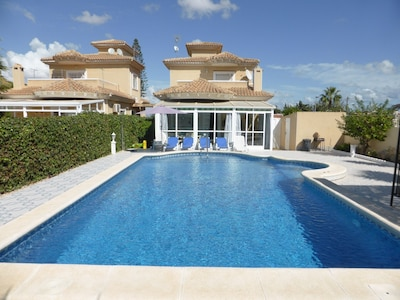 Detached Villa &  Pool