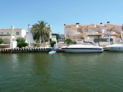 Plage de Cadaques, Cadaqués, Catalogne, Espagne