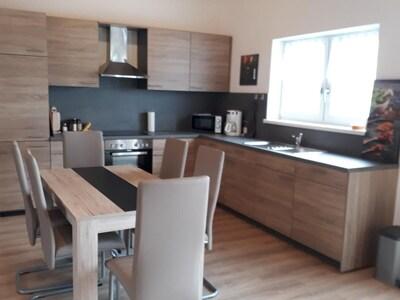 Ferienwohnung in Südhanglage mit großem Balkon und wunderbarer Fernsicht-Küche
