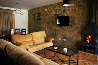 Rural apartment La Venta del Charco for 4 people