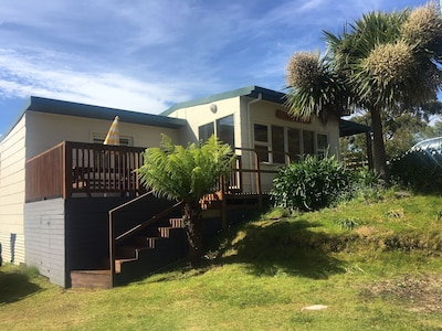 2 bed room pet friendly house at Adventure Bay.
